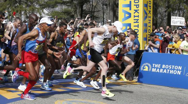 Cancelan maratón de Boston a causa del COVID-19